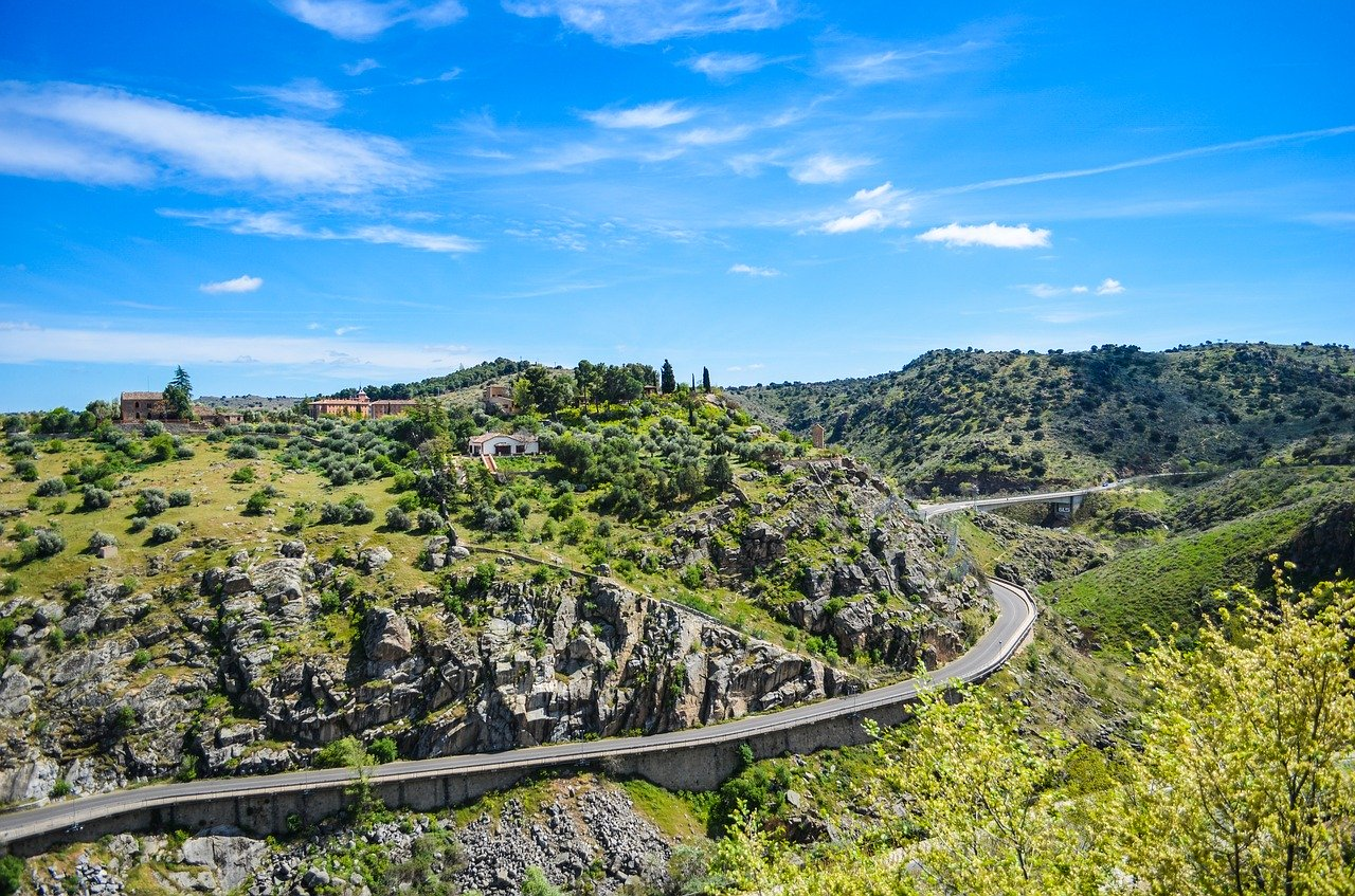 5 rutas para viajar en coche por España